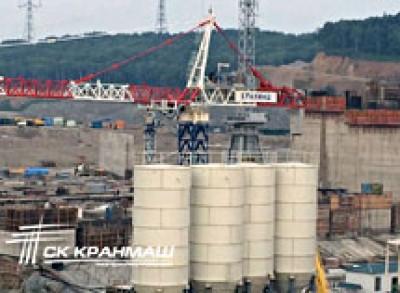 Кран-гигант строит Нижне-бурейскую ГЭС